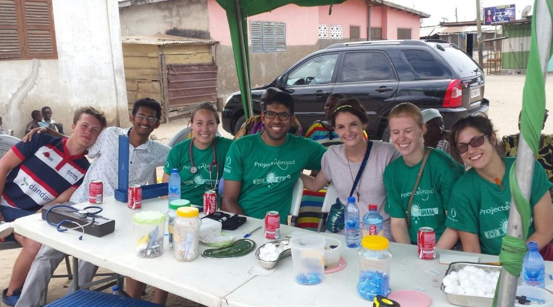 Projects Abroad Medicine and Nursing interns get ready to welcome community members to a free medical outreach in Ghana.